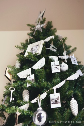 Instax-christmas-tree-decor.jpg