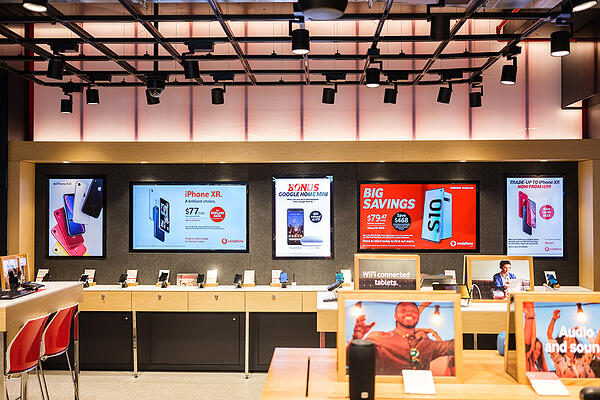 Staggering digital signage roll out1-1