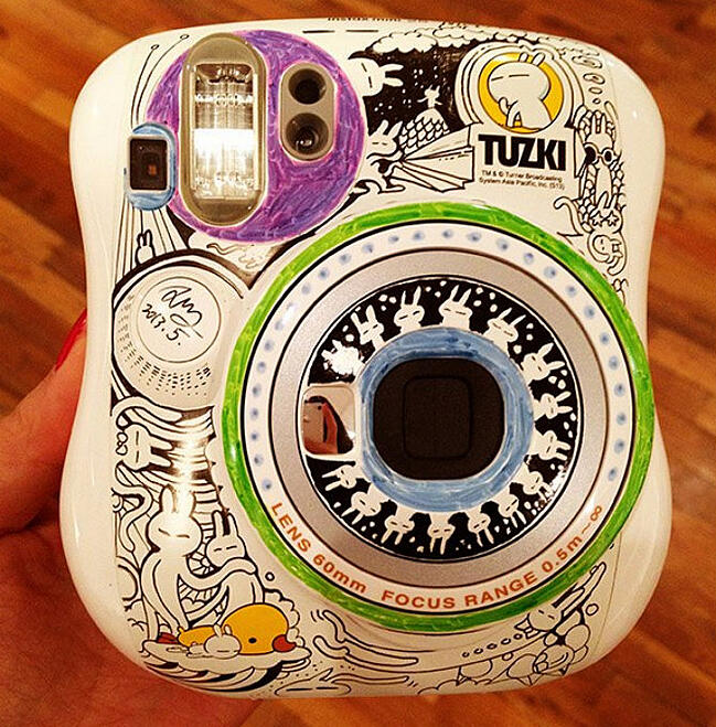 decorating instax with markers